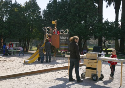 Hybrid Playground: interactive experience in the urban space