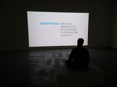 (Ready) Media: The exhibition of infinite readings