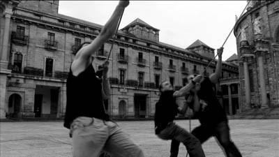 El enemigo está dentro, disparad sobre nosotros (2008)