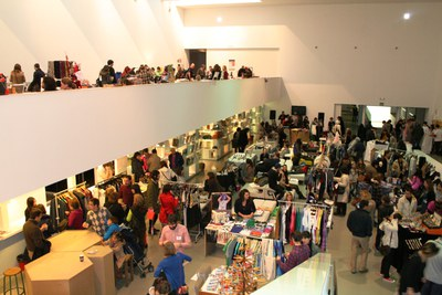 LABoral holds a new session of its Design Market this weekend with free access