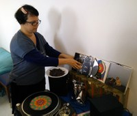 """Julia Drouhin will """"cook"""" chocolate discs during her residency at LABoral to pay tribute to Edison's phonograph"""