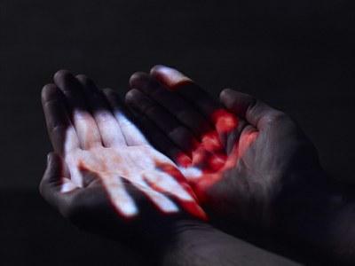 Hand-held, de David Rokeby, una de las piezas en Realidad elástica