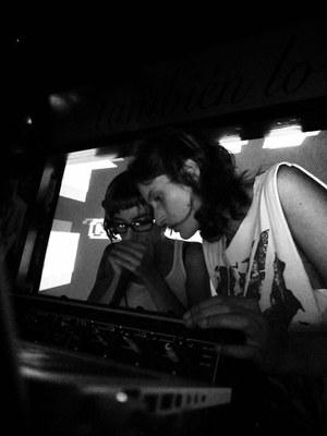 Las CasiCasiotone + Adrián Cuervo y Annie Hall+ Rob Loren, en LABvisiónica, el viernes, 25